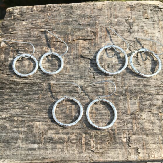 Chilli Designs hammered circle earrings