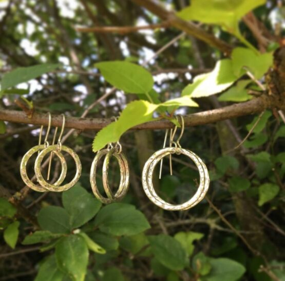 Chilli Designs hammered circle drop earrings